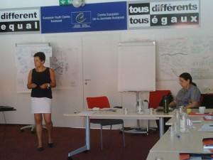 Közpolitika és politikai kommunikációs tréningek